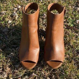 Women's Madden Girl Peep Toe Heels Size 8